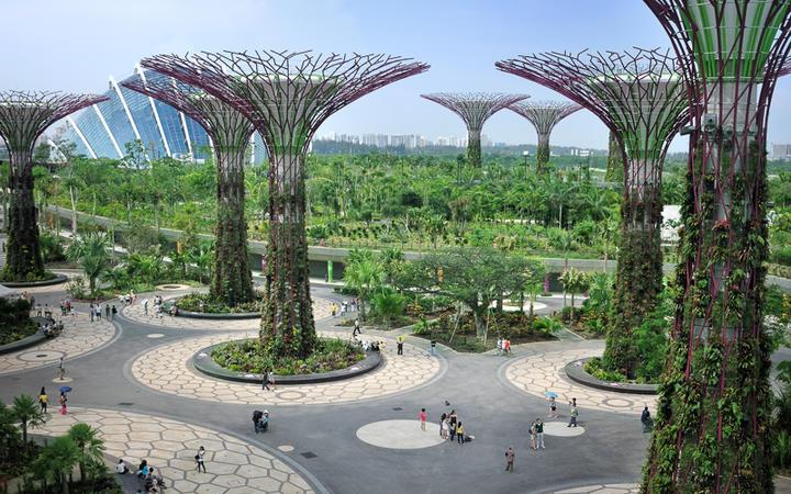Das Parkgelände Gardens by the Bay im Zentrum Singapurs © tristan tan / Shutterstock.com