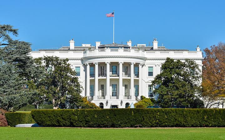 Das Weiße Haus - Amtssitz und offizielle Residenz des Präsidenten der Vereinigten Staaten © Orhan Cam / Shutterstock.com