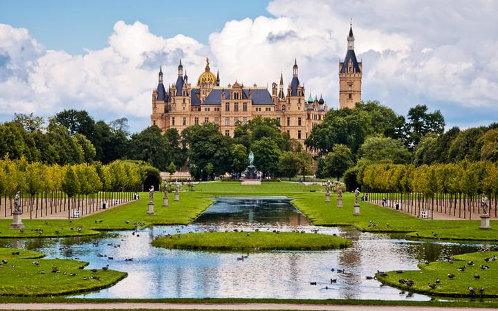 Schloss in Schwerin © Andrelix / shutterstock.com