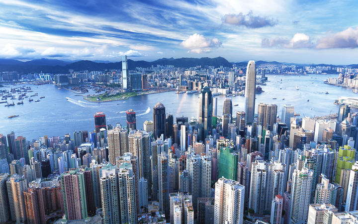 Die Skyline von Hongkong © leungchopan / Shutterstock.com