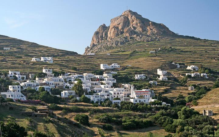 Der Xobourgo Felsen auf Tinos © Georgios Alexandris / Shutterstock.com