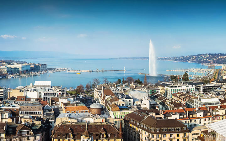 Die Stadt Genf und ihr gleichnamiger See, Schweiz © HeadUSA / Shutterstock.com
