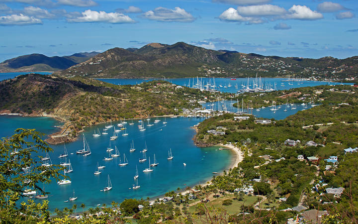 Blick auf English Harbour auf Antigua © KPegg / Shutterstock.com