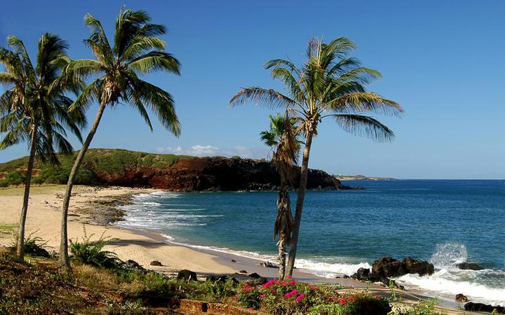 Die Küste der Hawaii Insel Molokai, USA © Mike Brake / Shutterstock.com