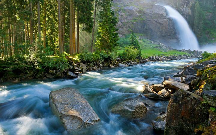Krimmler Wasserfälle im Nationalpark Hohe Tauern © stjepann / shutterstock.com