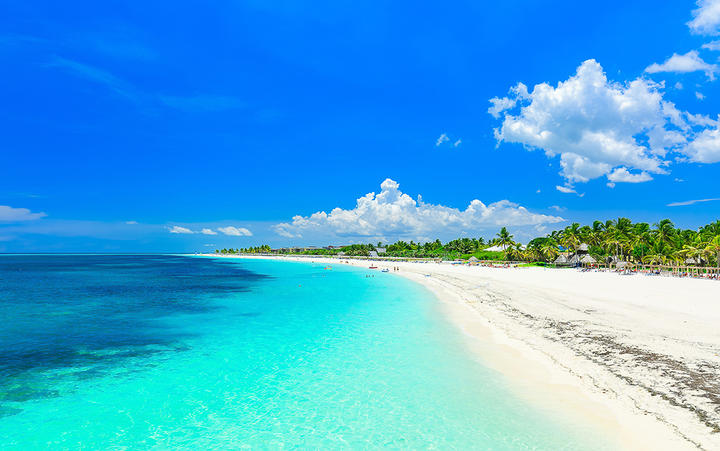 Traumhafter Sandstrand auf Cayo Coco © vvital / Shuttertock.com