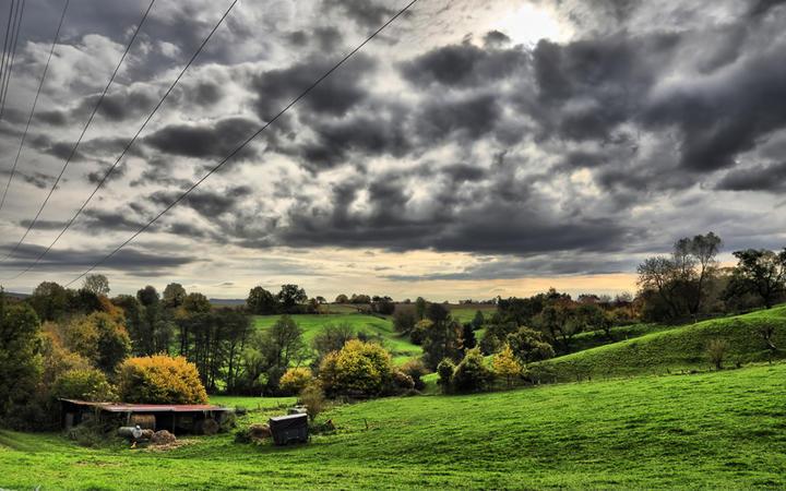 Wolken über dem Westerwald © Marek R. Swadzba / shutterstock.com