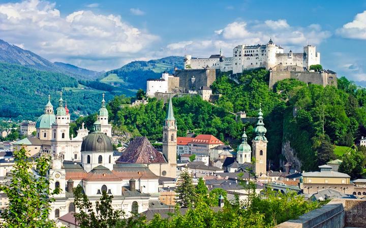Blick auf die Festung Hohensalzburg © Ionia / shutterstock.com