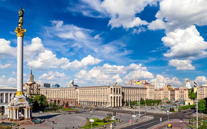 """Der Majdan Nesaleschnosti - """"Platz der Unabhängigkeit"""" - im Zentrum von Kiew © Olgysha / Shutterstock.com"""